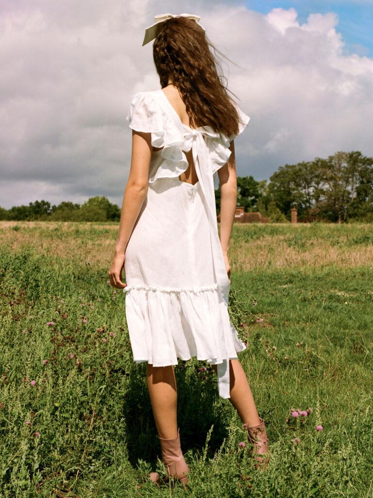 La la Lady Peggy Lipton Short Dress in White